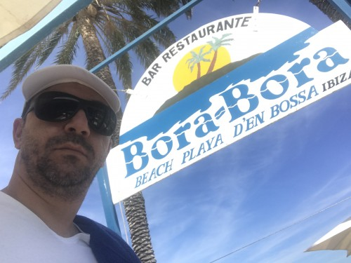 Eingang vom Bora Bora Beach